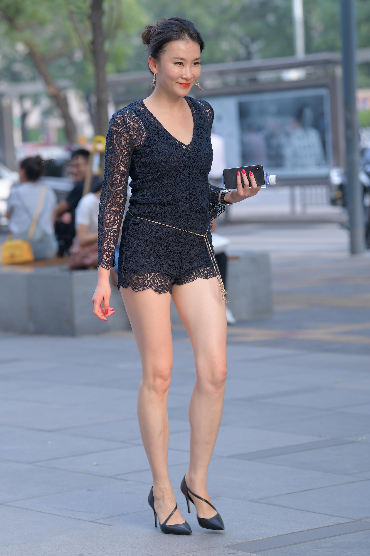 极品性感长腿少妇,实在太妩媚