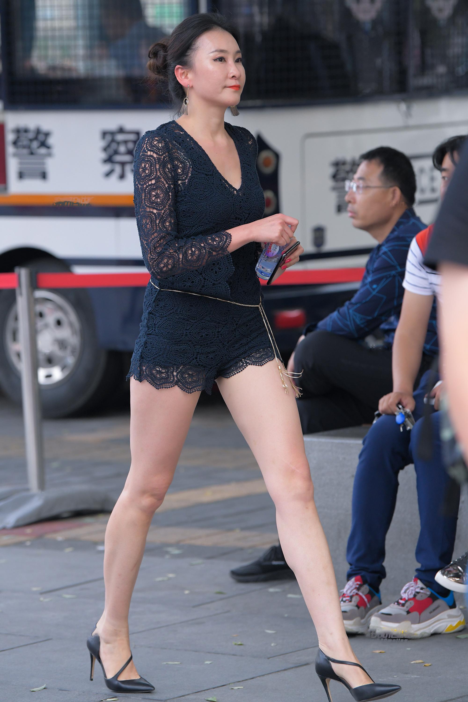 极品性感长腿少妇,实在太妩媚4