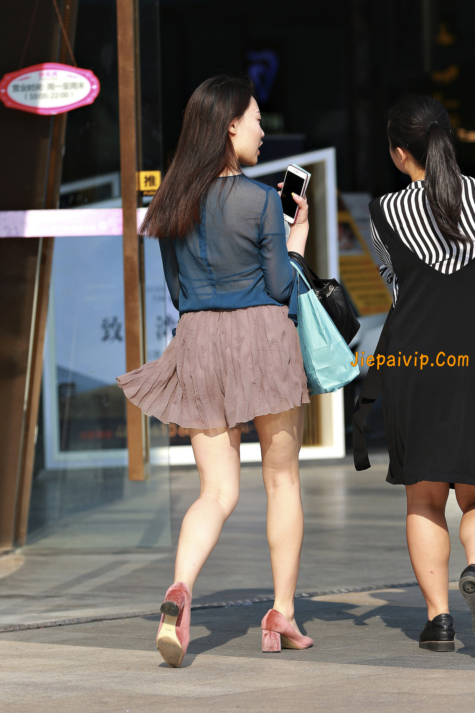 害羞 性感 白嫩美腿 淑女,膝盖怎么回事呢?10