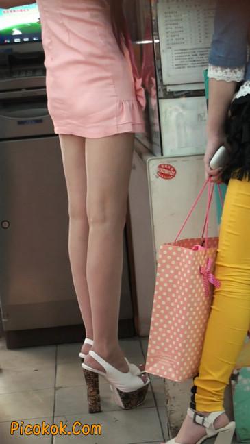 极品的大长腿美女又来了19