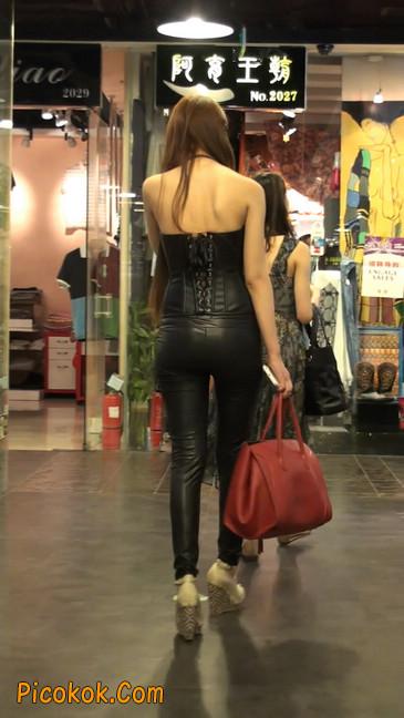 黑色紧身皮裤的美女,还是皮裤能衬托屁股啊15