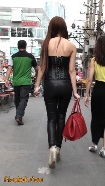 黑色紧身皮裤的美女,还是皮裤能衬托屁股啊28