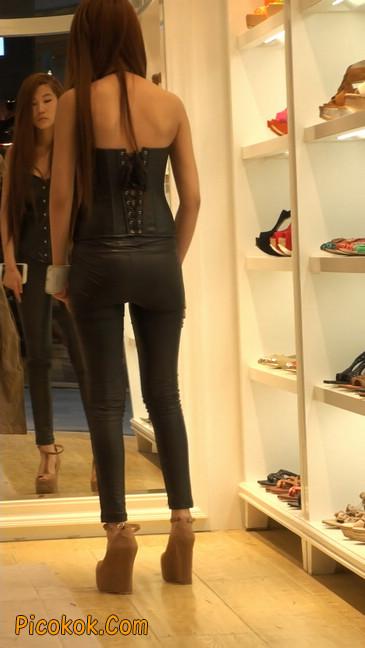 黑色紧身皮裤的美女,还是皮裤能衬托屁股啊47
