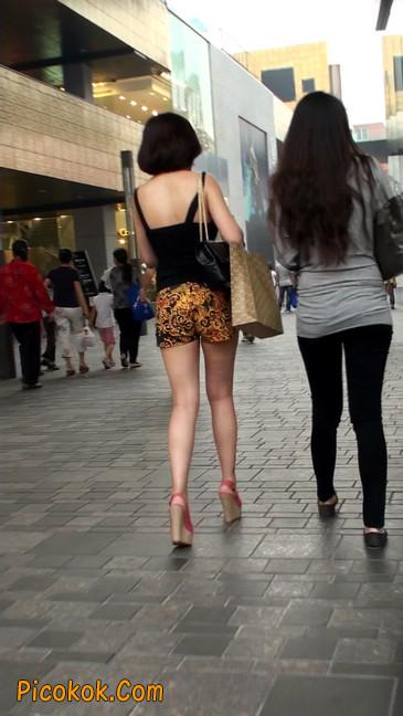 热裤纹身的大搔妇,少妇就是有味道1