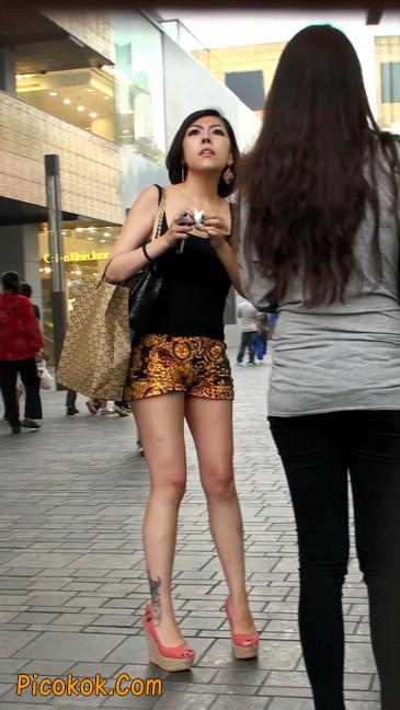 热裤纹身的大搔妇,少妇就是有味道2