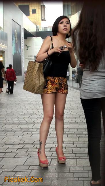 热裤纹身的大搔妇,少妇就是有味道3