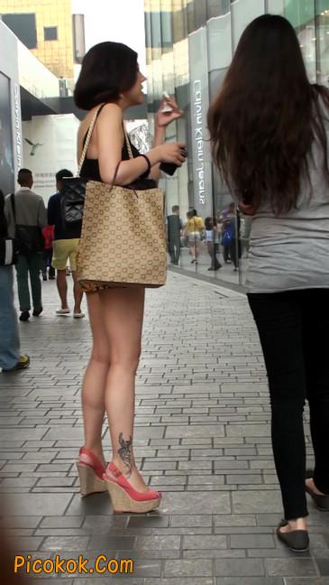 热裤纹身的大搔妇,少妇就是有味道5
