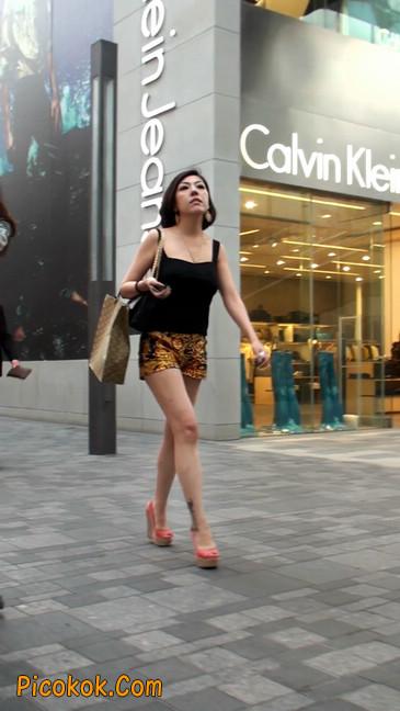 热裤纹身的大搔妇,少妇就是有味道12