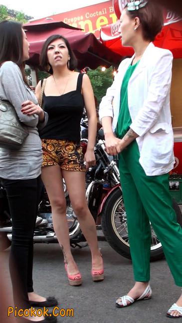 热裤纹身的大搔妇,少妇就是有味道22
