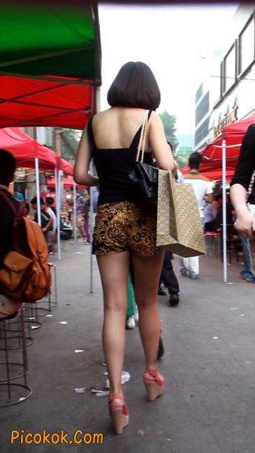 热裤纹身的大搔妇,少妇就是有味道24
