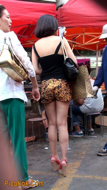热裤纹身的大搔妇,少妇就是有味道31