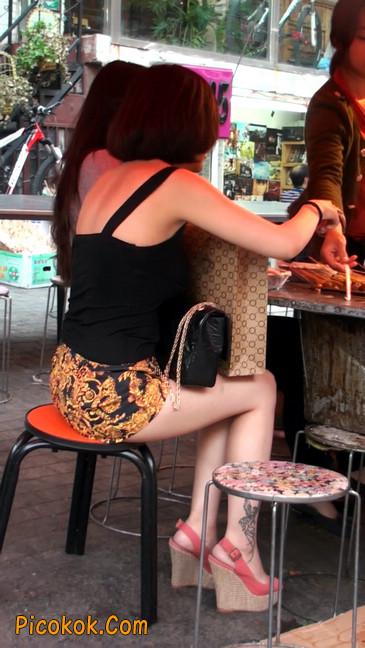 热裤纹身的大搔妇,少妇就是有味道36
