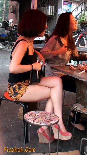 热裤纹身的大搔妇,少妇就是有味道39