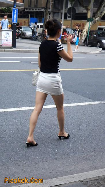 极品紧身短裙少妇,短裙又紧又短,实在按捺不住
