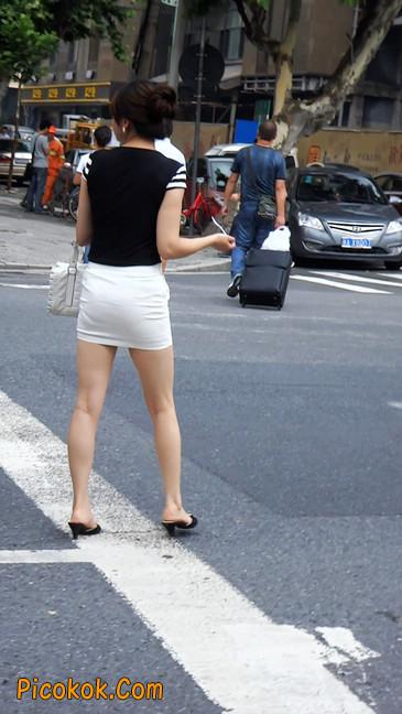 极品紧身短裙少妇,短裙又紧又短,实在按捺不住2