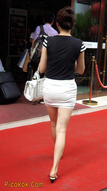 极品紧身短裙少妇,短裙又紧又短,实在按捺不住10