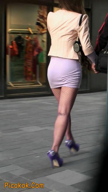 紫色网袜的高跟极品美女,三围很惹眼1