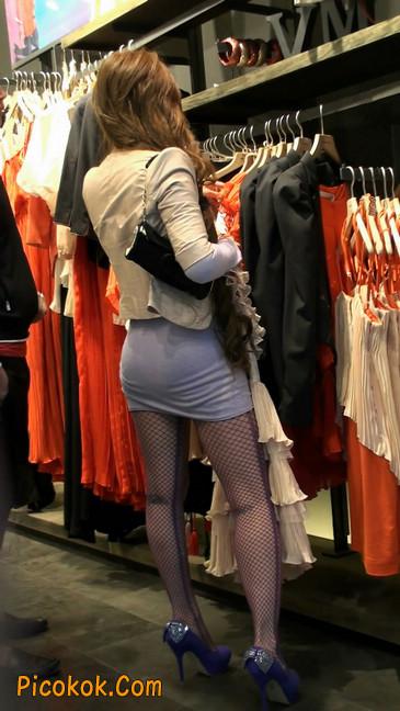紫色网袜的高跟极品美女,三围很惹眼10