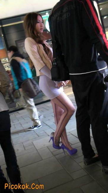 紫色网袜的高跟极品美女,三围很惹眼34