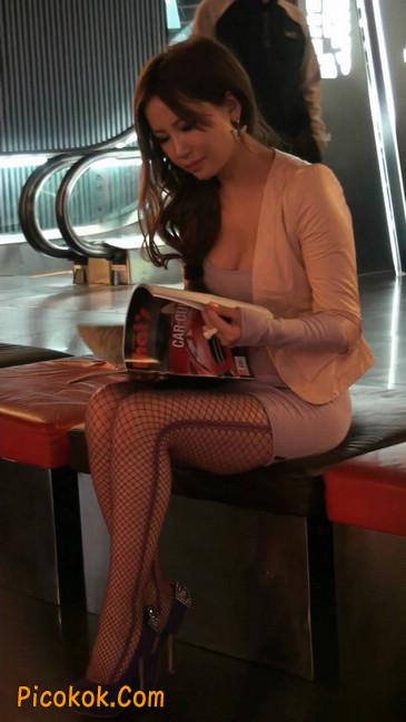 紫色网袜的高跟极品美女,三围很惹眼38