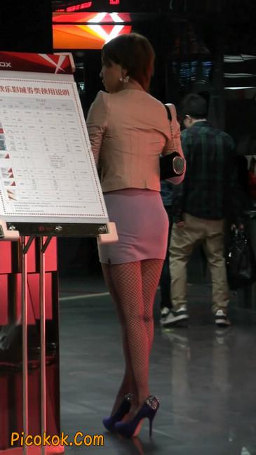 紫色网袜的高跟极品美女,三围很惹眼64