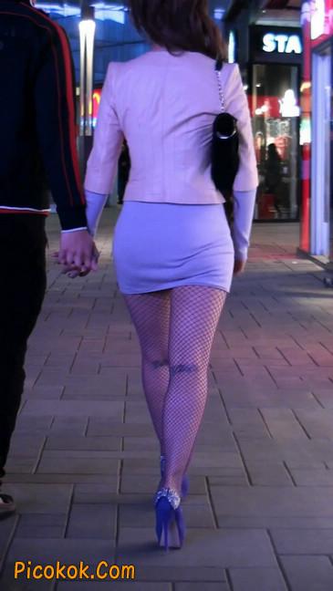 紫色网袜的高跟极品美女,三围很惹眼107