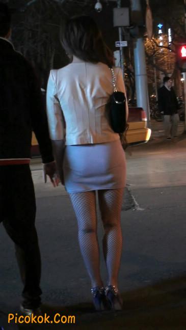 紫色网袜的高跟极品美女,三围很惹眼112