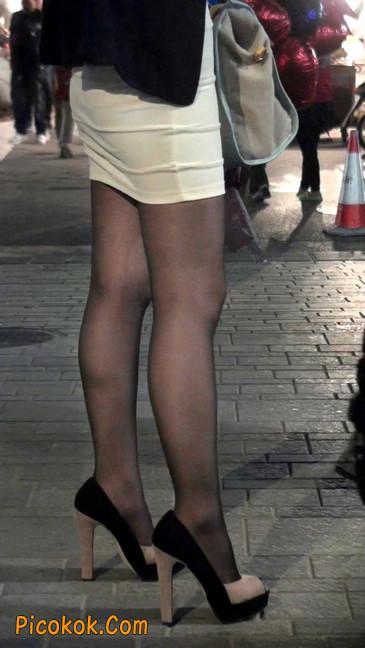 黑丝短裙紧身包臀的清纯美女,实际上并不清纯3