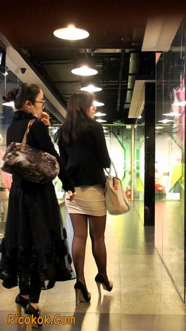 黑丝短裙紧身包臀的清纯美女,实际上并不清纯11
