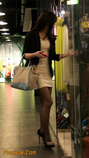 黑丝短裙紧身包臀的清纯美女,实际上并不清纯13
