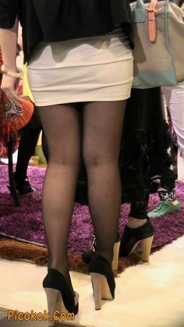 黑丝短裙紧身包臀的清纯美女,实际上并不清纯15