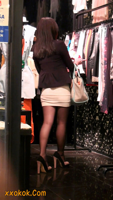 黑丝短裙紧身包臀的清纯美女,实际上并不清纯27