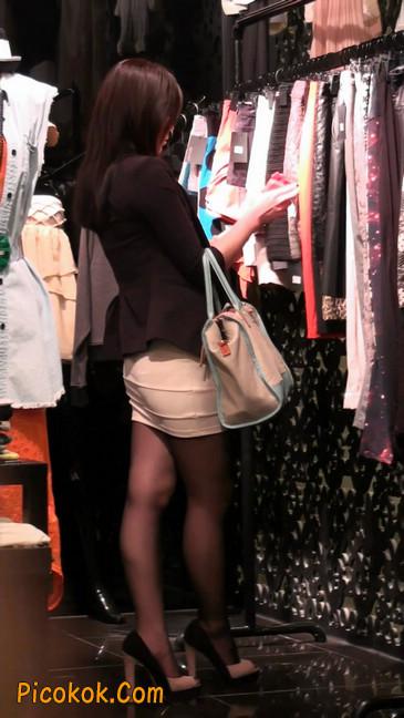 黑丝短裙紧身包臀的清纯美女,实际上并不清纯30
