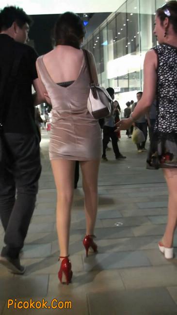 穿肉丝的气质少妇,脚踩红色高跟鞋,异常风韵4