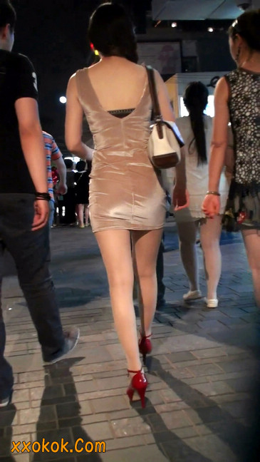 穿肉丝的气质少妇,脚踩红色高跟鞋,异常风韵11