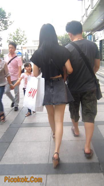 街拍气质超好的牛仔短裙美女4