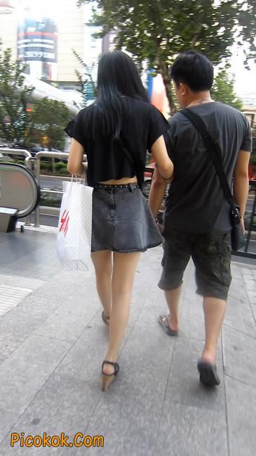 街拍气质超好的牛仔短裙美女5