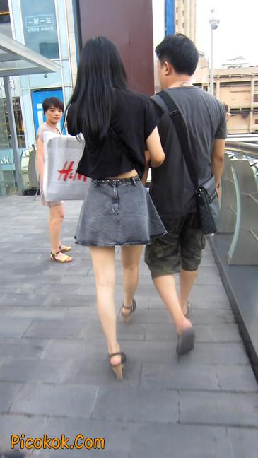 街拍气质超好的牛仔短裙美女12
