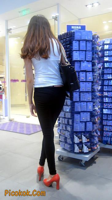 极品气质美女,紧身牛仔凸显身材10