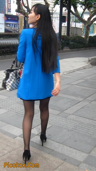 短裙黑丝高跟美眉,笑起来真甜美20