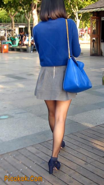 短裙黑丝少妇,身材好相貌赞4