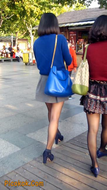 短裙黑丝少妇,身材好相貌赞5