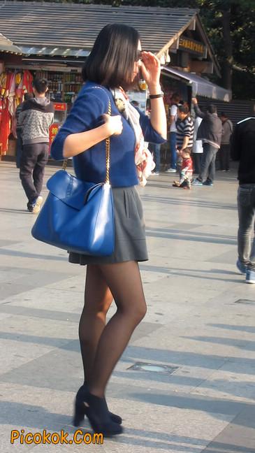 短裙黑丝少妇,身材好相貌赞11