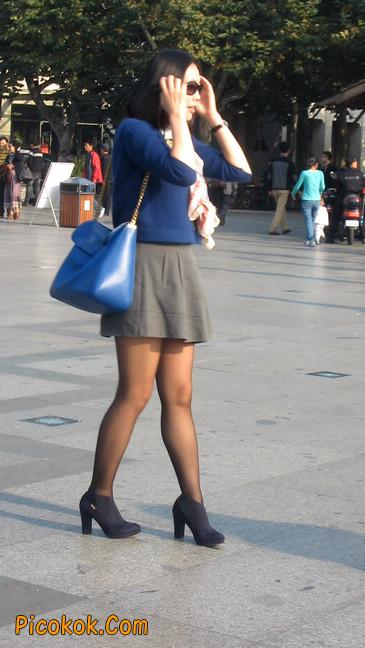 短裙黑丝少妇,身材好相貌赞13