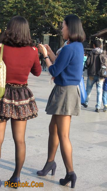 短裙黑丝少妇,身材好相貌赞21