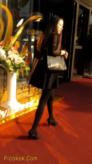 黑丝短裙少妇15
