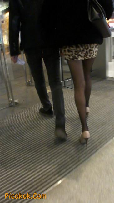 豹纹短裙,高跟黑丝,极度诱惑6