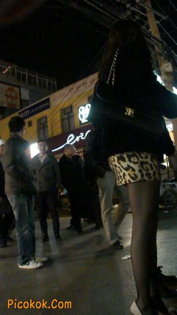 豹纹短裙,高跟黑丝,极度诱惑16