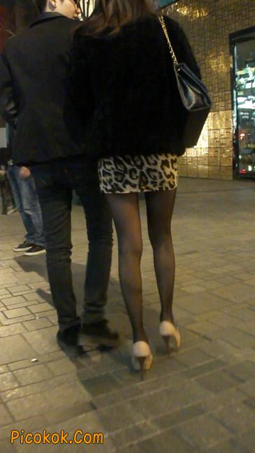 豹纹短裙,高跟黑丝,极度诱惑17