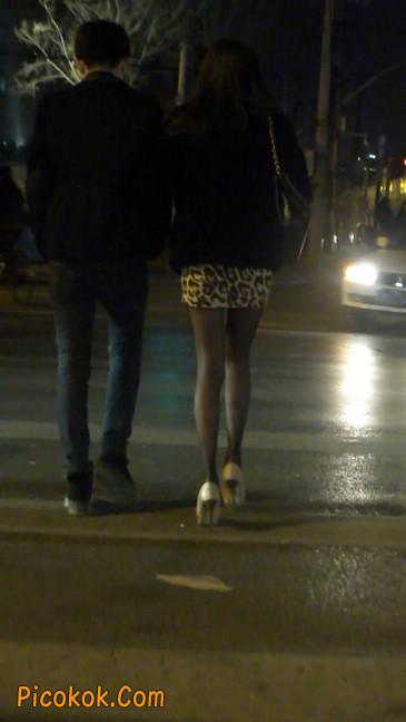 豹纹短裙,高跟黑丝,极度诱惑25